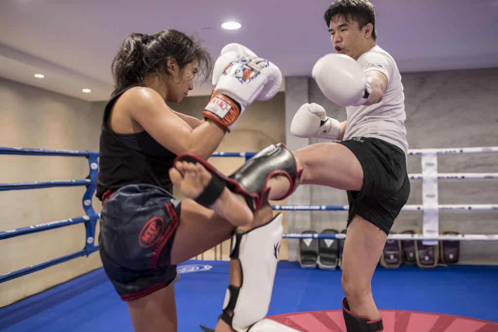 sparring woman man taiwan ring boxing muay thai