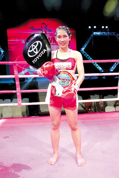 chomanee muay thai angels winner champion toyota